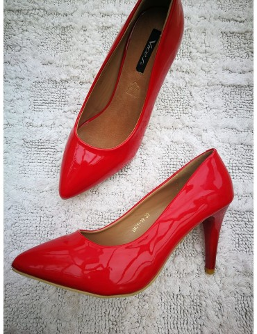 Czerwone szpileczki