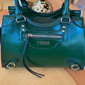 Zielona torebka. #torebki #modne torebki #fasony #moda #polishgirl