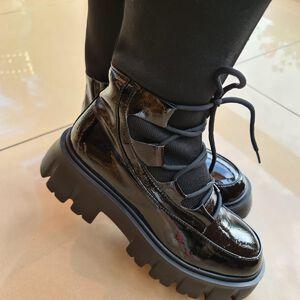 Botki lakierowane #Botki #obuwie #buty #styl #moda #fashion